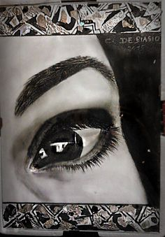 occhio  di  Floriana...carboncino  30x40 - --cristina  de  biasio-
