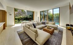 Outstanding house in Sydney built with regard to solar gain and heat loss, Woollahra House / Tzannes Associates