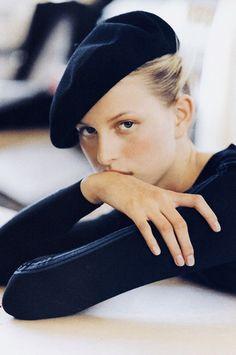 Karolina Kurkova wearing Alaia Elle US September 2000 (photography: Gilles Bensimon) via fashioned by love Parisienne Chic, Foto Face, Elle Us, Foto Fashion, Fashion Hats, Style Fashion, Fashion Beauty, Fashion Outfits, Fashion Photography