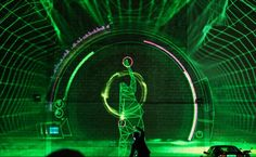 Kinectを使用した映像と音楽のインタラクティブで、クールなエナジードリンクのプロモーションです