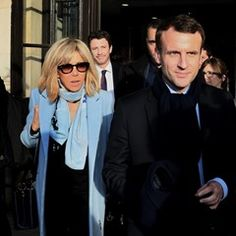 Emmanuel Macron and Brigitte arrive for a meeting in Talence (328832)