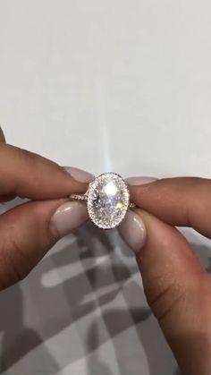 Most Beautiful Engagement Rings, Elegant Wedding Rings, Oval Halo Engagement Ring, Dream Engagement Rings, Round Cut Diamond Rings, Gold Ring Designs, Solitaire Rings, Diamond Settings, Crown Jewels