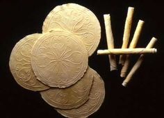 Wafers made with a set of early seventeenth century English wafering irons. English Food, Old English, Renaissance Food, Wheat Flower, 90 Second Keto Bread, Medieval Recipes, Sweet Butter, Colonial Kitchen, Dark Ages