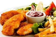 Fried chicken nuggets, French fries and vegetables No Salt Recipes, Chicken Recipes, Cooking Recipes, Finger Food Appetizers, Finger Foods, Czech Recipes, Ethnic Recipes, Fried Chicken Nuggets, Peri Peri Chicken