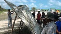 Plane debris found on Thai beach prompts speculation it might belong to #MH370.