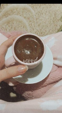 More from my siteIrish Cream Hot Chocolate Recipe Food Snapchat, Snapchat Images, Honey Syrup, Hot Cocoa Bar, Snap Food, Hot Chocolate Bars, Coffee Photos, Story Instagram, Coffee Photography