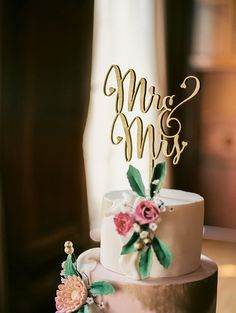 Mr and Mrs Cake Topper - (ONE) Laser Cut Wood Wedding Cake Topper - Modern Cake Decoration - Photo Prop - Gold or Silver by LetsTieTheKnot on Etsy