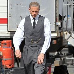 """New pic of Charlie on set of The Lost City of Z. #charliehunnam"""