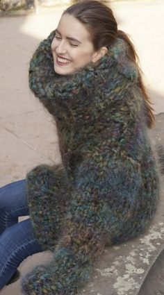 Thick Sweaters, Women's Sweaters, Gros Pull Mohair, Turtleneck Outfit, Mohair Sweater, Fuzz, Hand Knitting, Fur Coat, Vintage Outfits