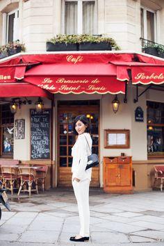 Nicole Warne - Gary Pepper in Paris wearing white ZARA Top; Mulberry Lily, Gary Pepper Girl, Nicole Warne, Paris Girl, Paris Cafe, White Trousers, French Chic, Paris Travel, Charlotte Olympia