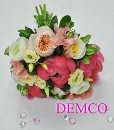Wedding Bouquet By DEMCO Florist Bermuda. Photo by Tori Lindo