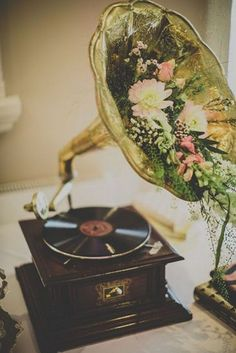 10 Adorable Wedding Ideas for Music Lovers is part of Music themed wedding - These musical wedding ideas for your ceremony, reception, wedding favors, and more will leave your wedding on a major high note Vintage Wedding Theme, Gatsby Wedding, Wedding Music, Vintage Wedding Inspiration, Rustic Wedding, Wedding Vintage Decorations, 1920s Wedding Decor, Trendy Wedding, Elegant Wedding
