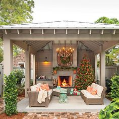 What She Did: Backyard - Before & After: Carolina Colonial Christmas - Southern Living