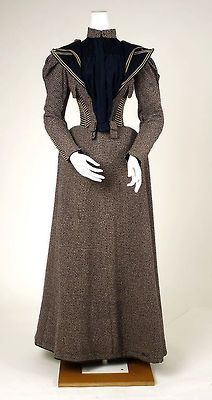 walking dress 1893