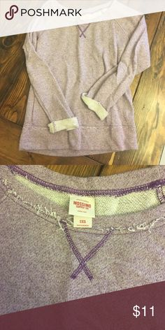 Mossimo lilac sweatshirt Great condition Mossimo Supply Co Tops Sweatshirts & Hoodies