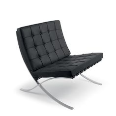 Ten of the most influential pieces of Bauhaus furniture, including Breuer's Wassily Chair, Hartwig's chess set and Mies van der Rohe's Barcelona Chair. Bauhaus Interior, Home Interior, Bauhaus Chair, Bauhaus Furniture, Furniture Doctor, Sofa Furniture, Furniture Removal, French Furniture, Furniture Dolly