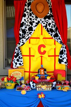 "Table idea :) Toy Story "" Round Up""  Woody - Boys Birthday Party -COMPLETE PACKAGE- Krown Kreations. $30.00, via Etsy."
