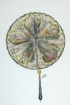ESCUELA FRANCESA, COCARDA 1800, COLECCION LAZARO GALDIANO Antique Fans, Vintage Fans, Hand Held Fan, Hand Fans, Fancy Hands, Vintage Accessories, Women Accessories, Umbrellas Parasols, Flappers