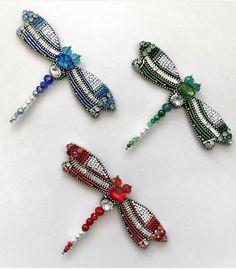 Автор @si.jane_collection      〰〰〰〰〰〰〰〰〰〰〰〰〰〰  По всем вопросам обращайтесь к авторам изделий!!!    #ручнаяработа #брошьизбисера #брошьручнойработы #вышивкабисером #мастер #бисер #handmade_prostor #handmadejewelry #brooch #beads #crystal #embroidery #swarovskicrystals #swarovski #купитьброшь #украшенияручнойработы #handmade #handemroidery #брошь