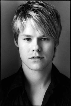 #RandyHarrison A very successful and openly gay actor and star of my favorite show #QueerAsFolk!