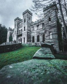Abandoned castles will always have a place in my heart :)