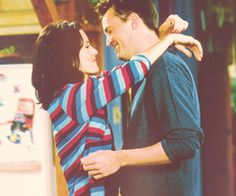 friends tv show, chandler bing, monica geller Friends Tv Show, Tv: Friends, Friends 1994, Serie Friends, Friends Moments, Friends Forever, Monica Friends, Chandler Friends, Friends Ross And Rachel