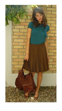I have an an outfit with the same shirt and skirt colors, I wear a thick waist…