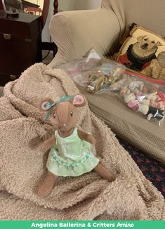 🐹🐰🐶🐯🐨🐣💕💕 Are there any of you collecting the Angelina Ballerina items in the series th Angelina Ballerina, August 13, Tuesday Morning, Ebay Auction, The Past, Christmas Gifts, Teddy Bear, Dolls, House