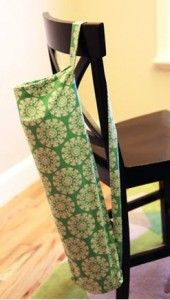 Hang your crutches inside of a handmade Yoga Mat bag. How to Make a Yoga Mat Bag - DIY Tutorial - KickStand Fitness Yoga Bag Pattern, Yoga Mat Bag, Yoga Mats, Sewing Crafts, Sewing Projects, Diy Bags Tutorial, Yoga Accessories, Fabric Bags, Small Gifts