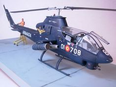 Bell AH-1G Cobra, REVELL 1/32 scale. Armada Española (Spanish Navy). #scale_model #helicopter #chopper