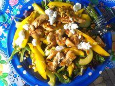frisse salade met geitenkaas en mango
