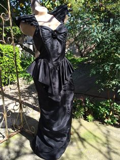 211bf9dadcf5 by StrangeVintage on Etsy Vintage Gothic, Wiggle Dress, 1940s Fashion,  Playing Dress Up
