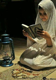 teach your children the quran and the quran with teach them everything. Baby Hijab, Girl Hijab, Hijabi Girl, Beautiful Muslim Women, Beautiful Hijab, Beautiful Children, Reading Al Quran, Surrender To God, Allah Calligraphy