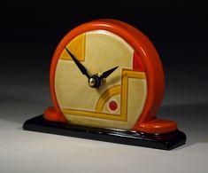 Echo of Deco British Art Pottery Astoria Mantel Clock Art Deco Decor, Art Deco Home, Art Deco Design, Decoration, Design Design, Art Nouveau, Radios, Cool Clocks, Unusual Clocks
