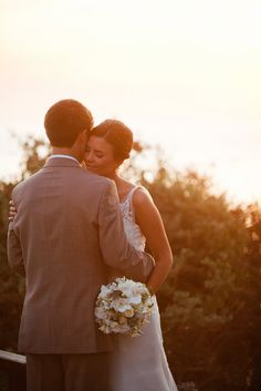 Great wedding day picture idea  Beautiful. I hope that we will have SOME lighting like this
