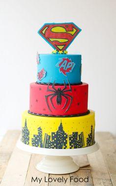 Tarta Super héroes (Super heroes Cake) de 3 pisos. Tamaños: 25 - 20 y 15 cm. de diámetro.