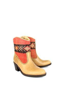 Inez Kiboots Dress Codes, Catalog, Traditional, Boots, Fashion, Crotch Boots, Moda, Fashion Styles, Brochures