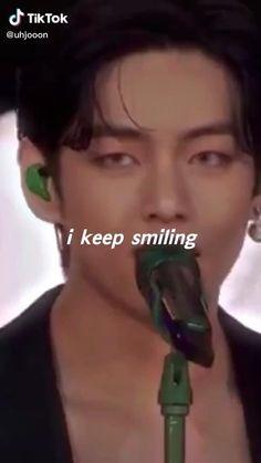 V E Jhope, Bts Jungkook, Namjoon, Taehyung Abs, Kim Taehyung Funny, V Smile, Bts Song Lyrics, V Video, Bts Book