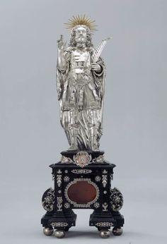 People crest abbot of Rheinau Bernhard I.. St. Leontius, with blessing hand and palm, on a pedestal. Goldsmith Johann Caspar Dietrich, Rapperswil. Silver, CA. 1674
