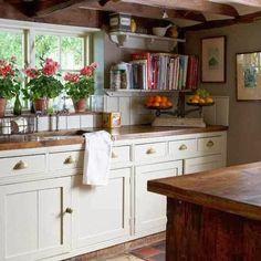 irisvintagecountrycottage:  country kitchen a piedi nudi nel parco