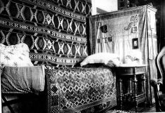 Alexei's bed in Tobolsk. (x)