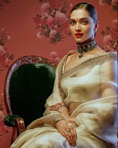Buy Party wear Sarees Online with All Types Collections Like Designer Party Wear saree,Bollywood party wear saree,Silk Party wear saree,wedding party wear saree and More. Bollywood Designer Sarees, Designer Silk Sarees, Bollywood Saree, Indian Designer Wear, Bollywood Bikini, Indian Bollywood, Bollywood Fashion, Bollywood Actress, Deepika Padukone Saree