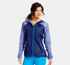 I been on a quest for the perfect running jacket that is lightweight, breathable and that will keep me try when running in the rain. The Qualifier Woven Jacket from #UnderArmour looks like a good contestant. #runningjacket