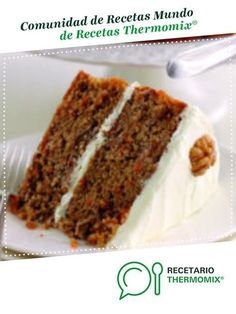 Mary Berry's carrot and walnut cake is covered in a rich cream cheese frosting, ideal as an afternoon tea treat or to make for someone on a . Mary Berry Carrot Cake, Carrot And Walnut Cake, Cream Cheese Icing, Cake With Cream Cheese, Food Cakes, Classic Carrot Cake Recipe, Salty Cake, Savoury Cake, Mini Cakes