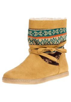 Yellow winter ankle boots