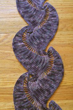 THIS is not your grandmother's scarf! How unusual and eye-catching. Boteh Scarf by Kathy Merrick #crochet