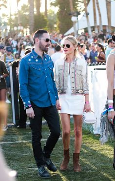 Kate Bosworth adds a tribal touch to her festival look with her jacket. Rock Festival, Festival Style, Festival Outfits, Festival Fashion, Kate Bosworth, Fashion Couple, Estilo Boho, Boho Fashion, Style Fashion