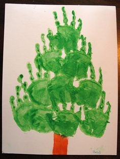 advent tree - hand prints - Christmas tree handprint art - kidsartactivities KidsArt kidsactivities advent tree painting!