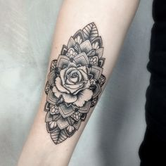 Check out these stunning rose tattoos and read about the meaning of different type of roses. Will you find inspiration for your dream tattoo here below. Mandela Flower Tattoo, Mandela Tattoo, Flower Tattoo Back, Flower Tattoo Shoulder, Flower Tattoo Designs, Geometric Rose Tattoo, Geometric Tattoo Design, Geometric Designs, Rose Tattoo Forearm