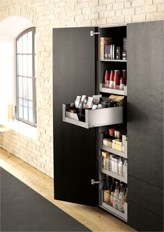 Legrabox space tower - Blum larder drawer system consists of 5 complete inner deep drawers offering a high level of stability to tall kitchen cabinets Tall Kitchen Cabinets, Kitchen Cabinet Styles, Kitchen Cabinet Doors, Kitchen Drawers, Kitchen Pantry, Kitchen Storage, Home Room Design, Interior Design Living Room, Cuisines Design